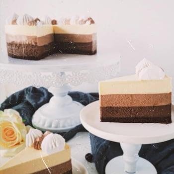 sweetologistco Triple Chocolate Cake